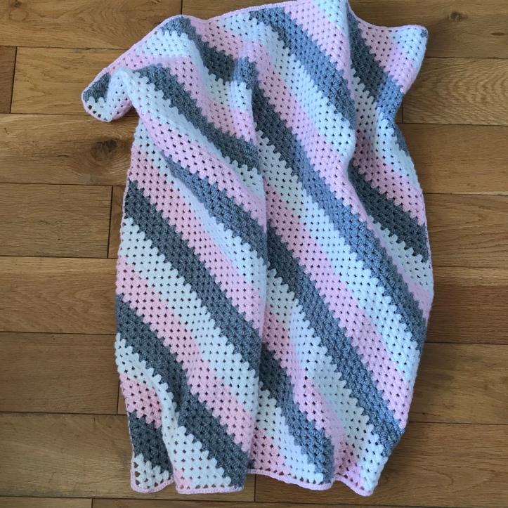 Crochet granny squatre blanket